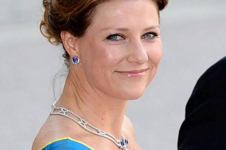 Skandal potresa kraljevstvo: Norveška princeza zaljubljena u biseksualnog šamana! (foto)