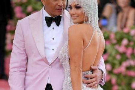 Ovako su se Dženifer Lopez i Aleks Rodrigez pripremali za Met Gala uz Versace tim! (video)