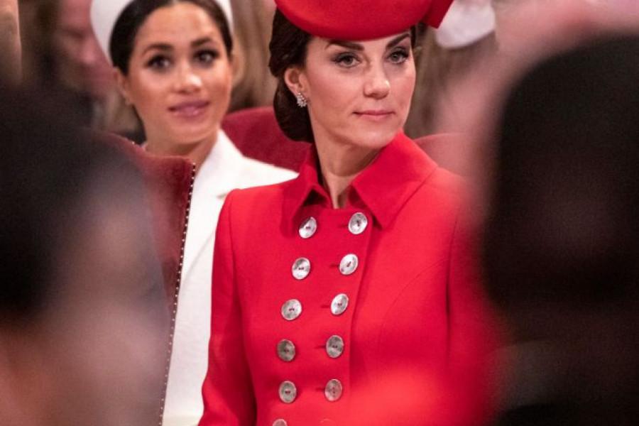 Modni duel vojvotknja: I u starom kaputu Kejt Midlton je bila bolje obučena od Megan (foto)