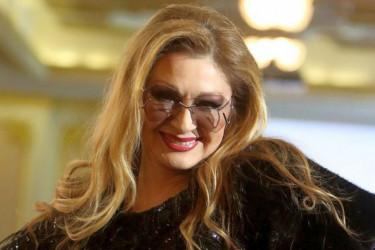 Danica Maksimović kraljica Instagrama: Ovako ja peglam lice! (video)