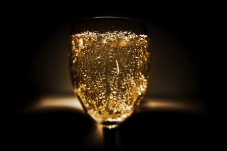Da li ste znali: U jednoj flaši šampanjca ima 49 milijardi mehurića