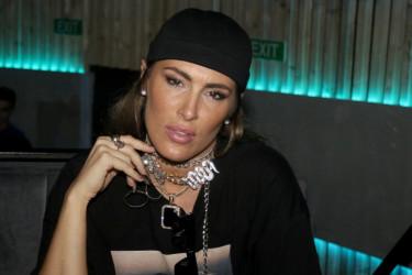 Majka pevačice Senidah prerano je preminula, popularna umetnica je njena neverovatna kopija