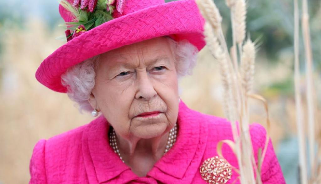 Rođenje kraljevske bebe u senci skandala: Kraljica Elizabeta besna