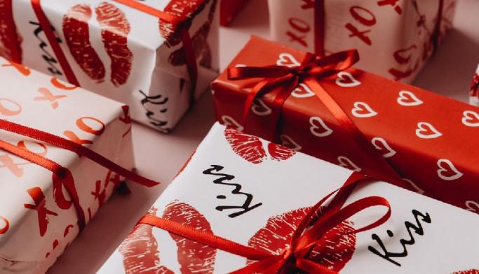 Stiže nam najromantičniji dan - pripremite najlepše poklone