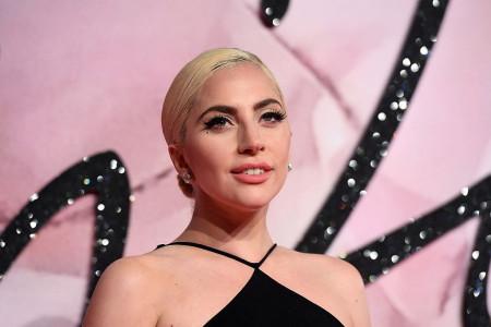 Tek što je Lejdi Gaga prošetala novu frizuru, stvari su krenule po zlu...
