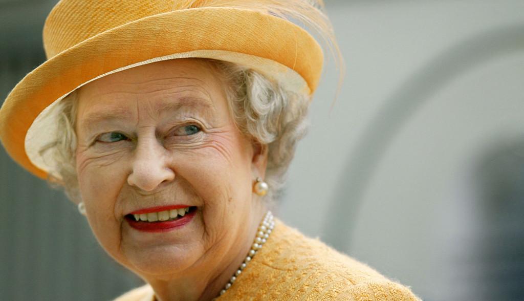 Najvredniji nakit kraljice Elizabete: Neverovatna priča o prstenu koji nosi 70 godina