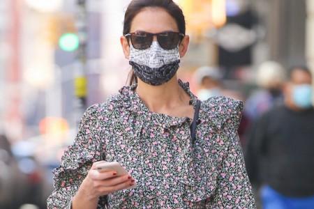 Njene odevne kombinacije su inspiracija: Kejti Holms nosi pravi komad za proleće 2021.