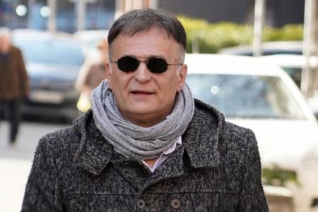 U jeku skandala glumac uživa u ljubavi: Branislav Lečić čvrsto drži za ruku novu izabranicu