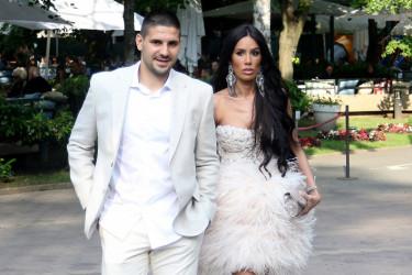 Oženio se fudbaler Aleksandar Mitrović, svi komentarišu mladinu haljinu (foto)