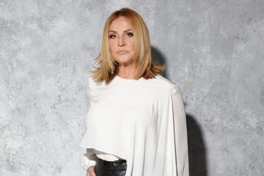 Kakva promena, oduševićete se: Ana Bekuta je dokaz koliko frizura ženu može da podmladi