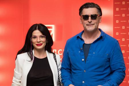 Aleksandra i Boško kao da su tek sišli sa modne piste, ovo je vodeći trend za proleće-leto 2021.