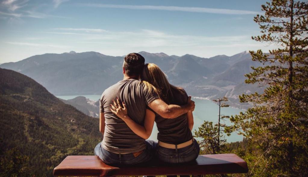 Horoskop za 4. maj: Ovnovima prija pažnja, Jarčevima romantična zabava u dvoje
