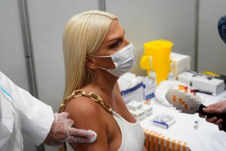 Jelena Karleuša primila vakcinu protiv korone: Koncerti su najmanje bitni, bitni su životi ljudi