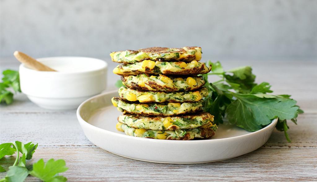Lagani prolećni ručak: Prženice od tikvica i salata od rotkvica