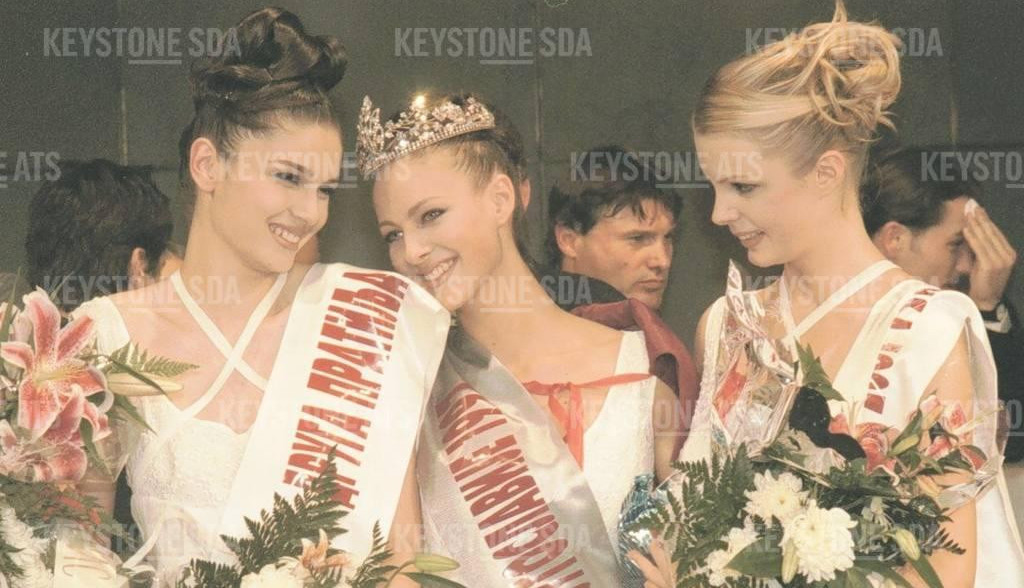 Bila je Mis Jugoslavije, čuveni holivudski glumac obožavao je njene viceve a onda je nestala: Kako danas izgleda Tamara Šaponjić