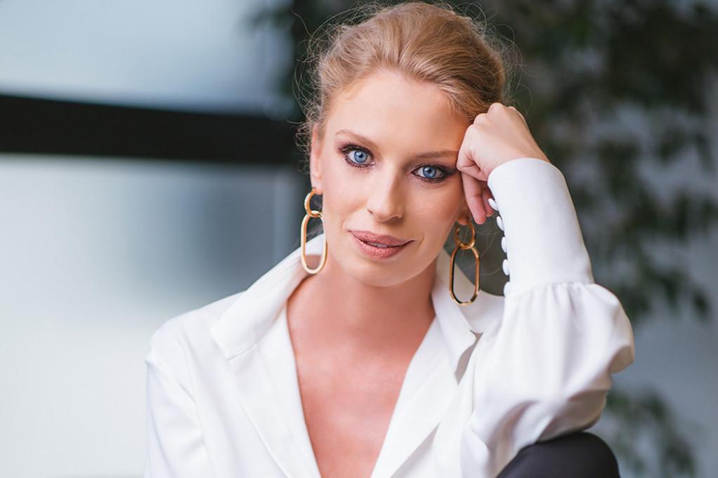 """Ljubinka Klarić napravila drastičnu promenu: """"Iiii, ode kosa!"""" (foto)"""