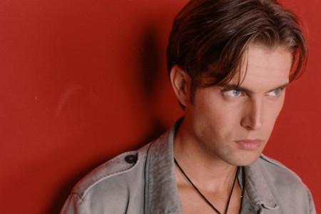 Bio je jedno od zaštitnih lica televizije Pink, lep i obrazovan, a onda je preko noći nestao: Kako danas izgleda Milan Miličić (foto)