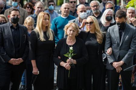 Poslednja počast legendarnom reditelju: Božidar Nikolić sahranjen u Aleji zaslužnih građana