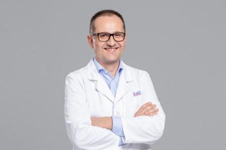 Prof. dr Dušan Škiljević, predsednik Udruženja dermatovenerologa Srbije: Samopregledi i rano prepoznavanje ključni u borbi protiv melanoma