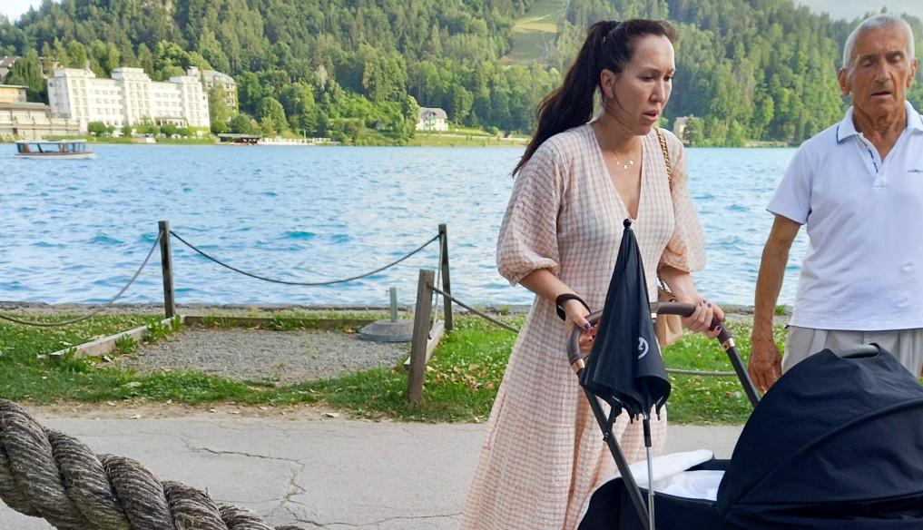 Ekskluzivne fotografije: Jelena Janković prvi put uslikana sa mužem i ćerkom