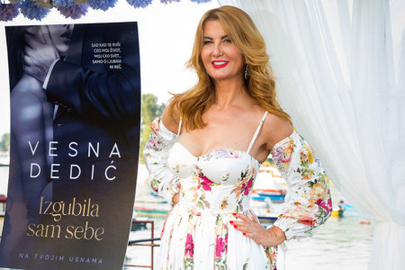 Slučajnost ili namera: Vesna Dedić promovisala novi roman na mestu na kome se pre dve decenije udala (foto)