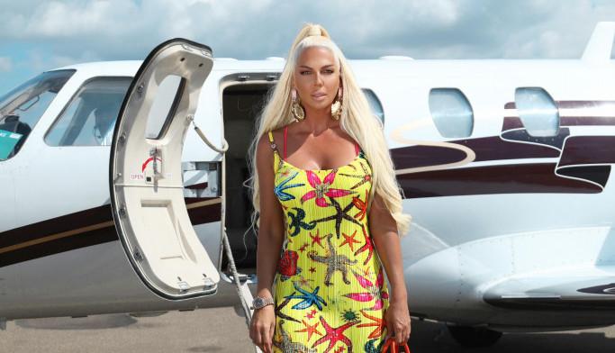 Apsolutna dominacija Jelene Karleuše: Privatni avion i haljina sa skupom etiketom