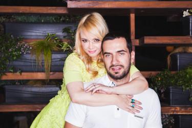 Pre godinu dana kupili su nekretninu iz snova: Ovde žive Ana Štajdohar i Nikola Demonja sa sinom i ćerkom (foto)