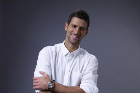 Videli smo ga kako štrika, a sada je otišao korak dalje: Novak Đoković hit snimkom nasmejao planetu (video)