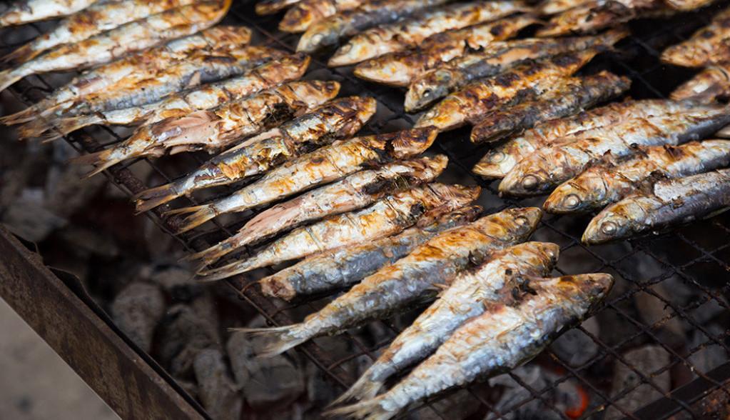 Brzo i ukusno: Vreme je za usoljene sardine sa roštilja