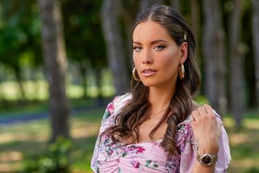 Ona je neverovatna, slavlje na Kipru: Mirka samo 10 dana od porođaja zaigrala u kožnim helankama i papučama (video)