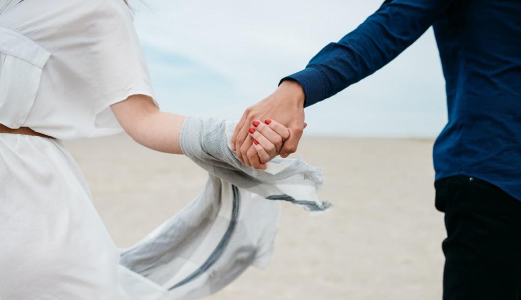 Ljubavni horoskop za 5. septembar: Moguća je tajna veza sa osobom koja će na vas delovati kao magnet