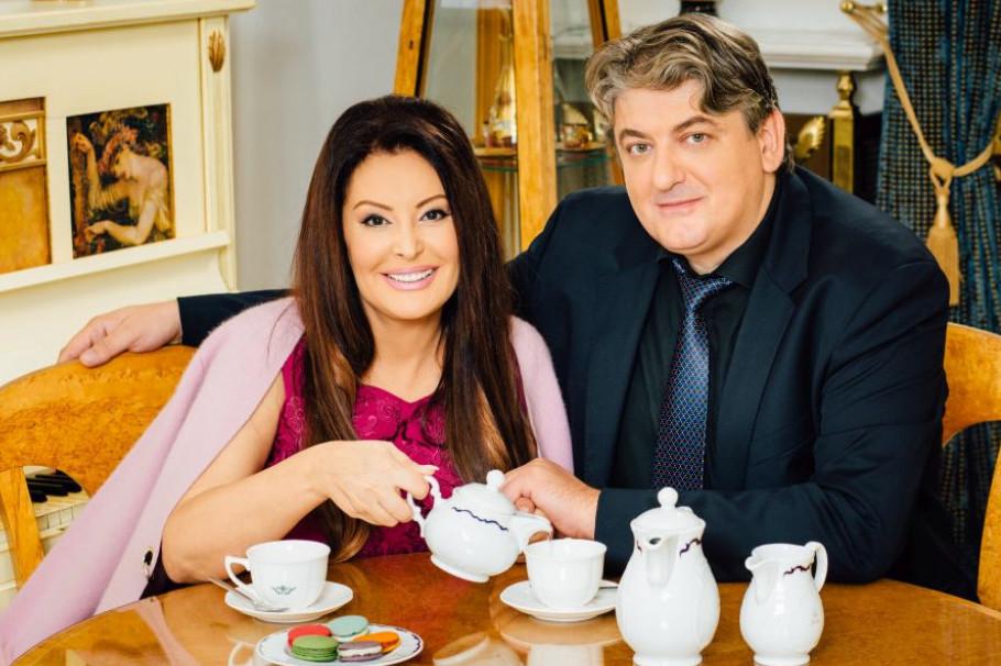 Daleko od očiju javnosti: Ovako je Dragana Mirković izgledala na venčanju sa Tonijem (foto)
