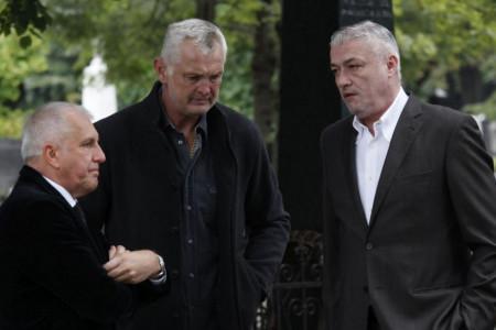 Potresna slika, najjača petorka ikada ponela kovčeg: Sahranjen Dušan Ivković, iz celog sveta stigli košarkaški asovi