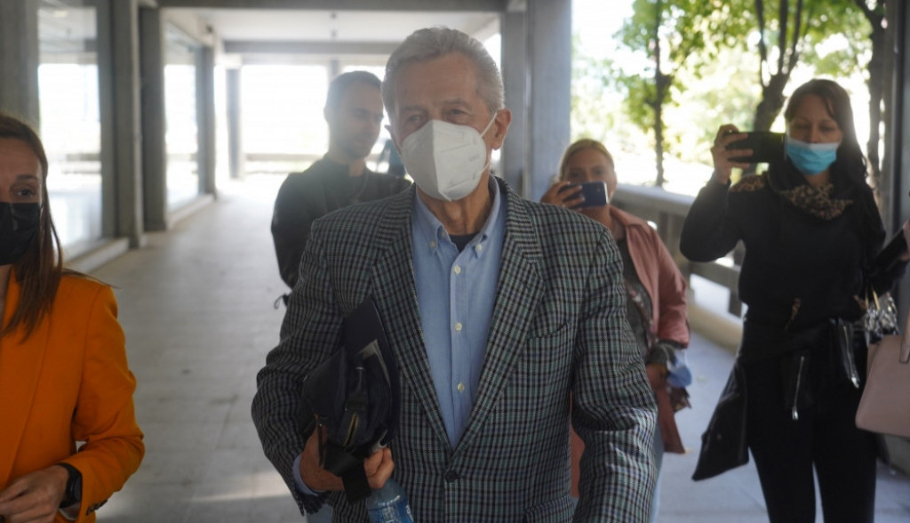 Nakon dugih 6 sati, Miroslav Ilić napustio Palatu pravde: Ovo je uradio po izlasku iz suda