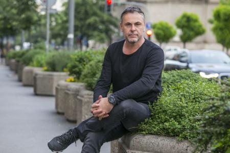 Branimir Popović tajno oženio dve decenije mlađu lepoticu, očarala vas je ulogom u popularnoj domaćoj seriji (foto)
