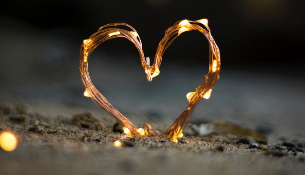 Ljubavni horoskop za 3. oktobar: Dobre vesti! Zvezde su savršeno aspektovane, uplovićete u novu vezu