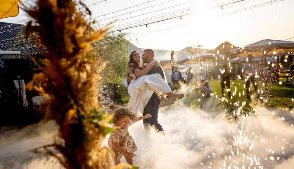 Ekskluzivno! Prve fotografije sa venčanja Ivane Španović i Marka Vulete (foto)