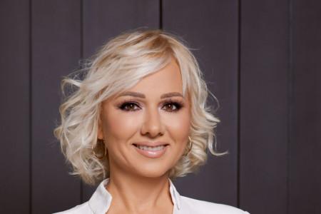 Ivona Pantelić potpuno neprepoznatljiva: Danas zakleta plavuša, nekada vatrena crnka (foto)