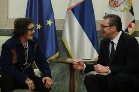 Noćas nema spavanja: Džoni Dep stigao u Beograd, dočekao ga predsednik Aleksandar Vučić