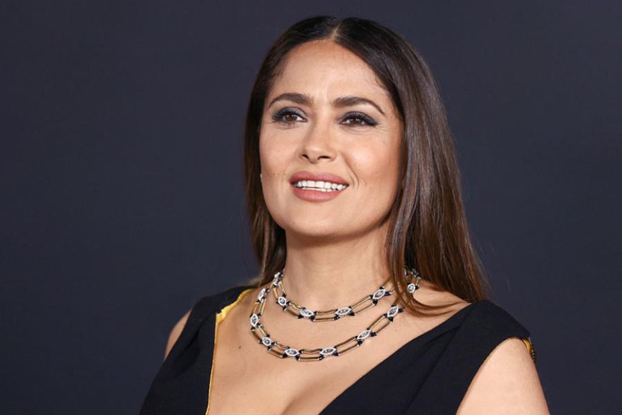Ćerka Salme Hajek više nije devojčica: Prelepa Valentina na crvenom tepihu pozira kao prava zvezda (foto)