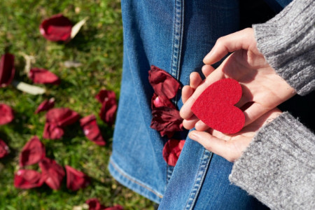 Ljubavni horoskop za 24. oktobar: Uzbudljiv period je pred vama, trenutno prijateljstvo prerašće u ljubav