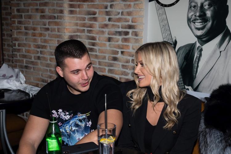 Viktor živojinović pokazao devojku