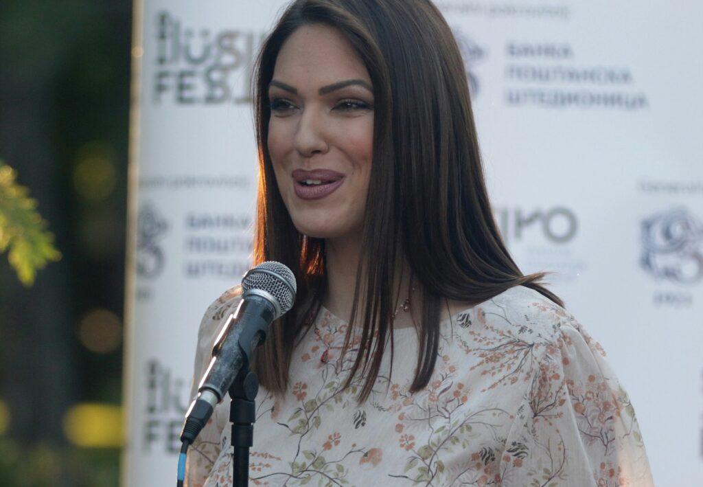 Nina Radulović korona